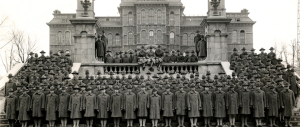 Students Army Training Corps in front of the Hall of Languages, 1918.