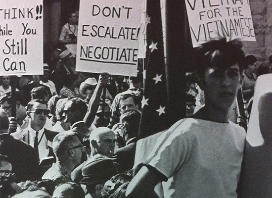 Syracuse students protesting the war in Vietnam. 1968 Onondagan.